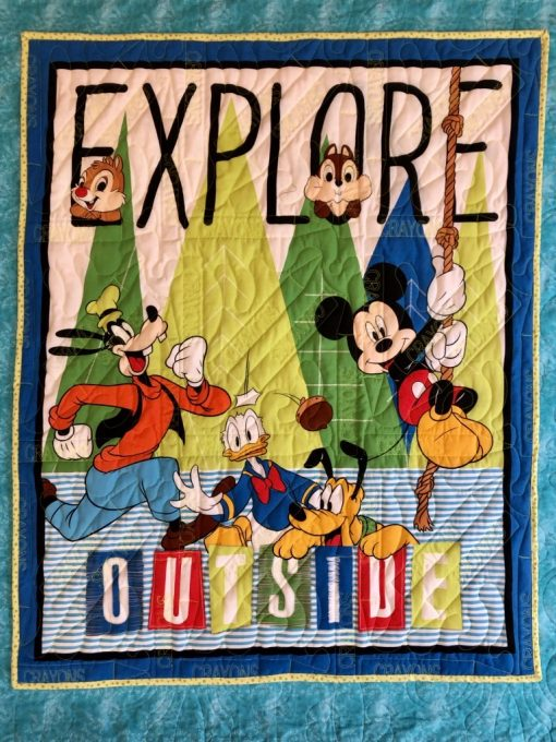 Disney, Mickey, Chipmunks, Donald, Pluto and Goofy quilt
